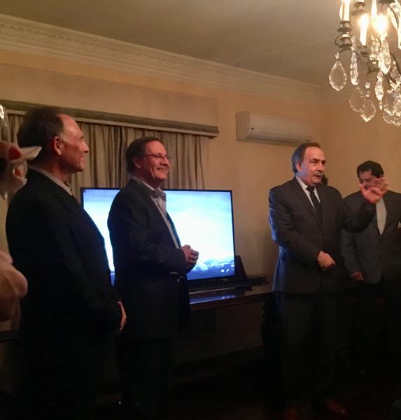 Steve Solot, Mario Lázzaro, Ministro Tezanos