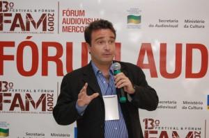 """Guzmán Fernández apresenta o tema """"Gestão de Direitos de Produtores Audiovisuais"""""""